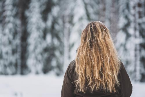 Snöflingor i håret